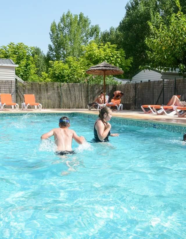 camping piscine vacances