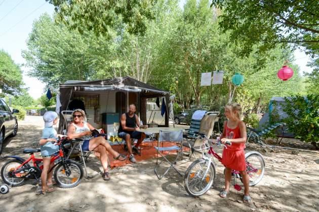 camping fouguières 04